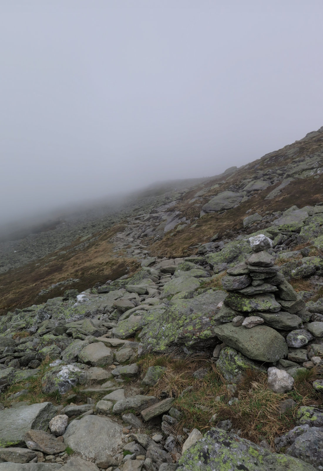 20180602-Washington-cloudy-cairn