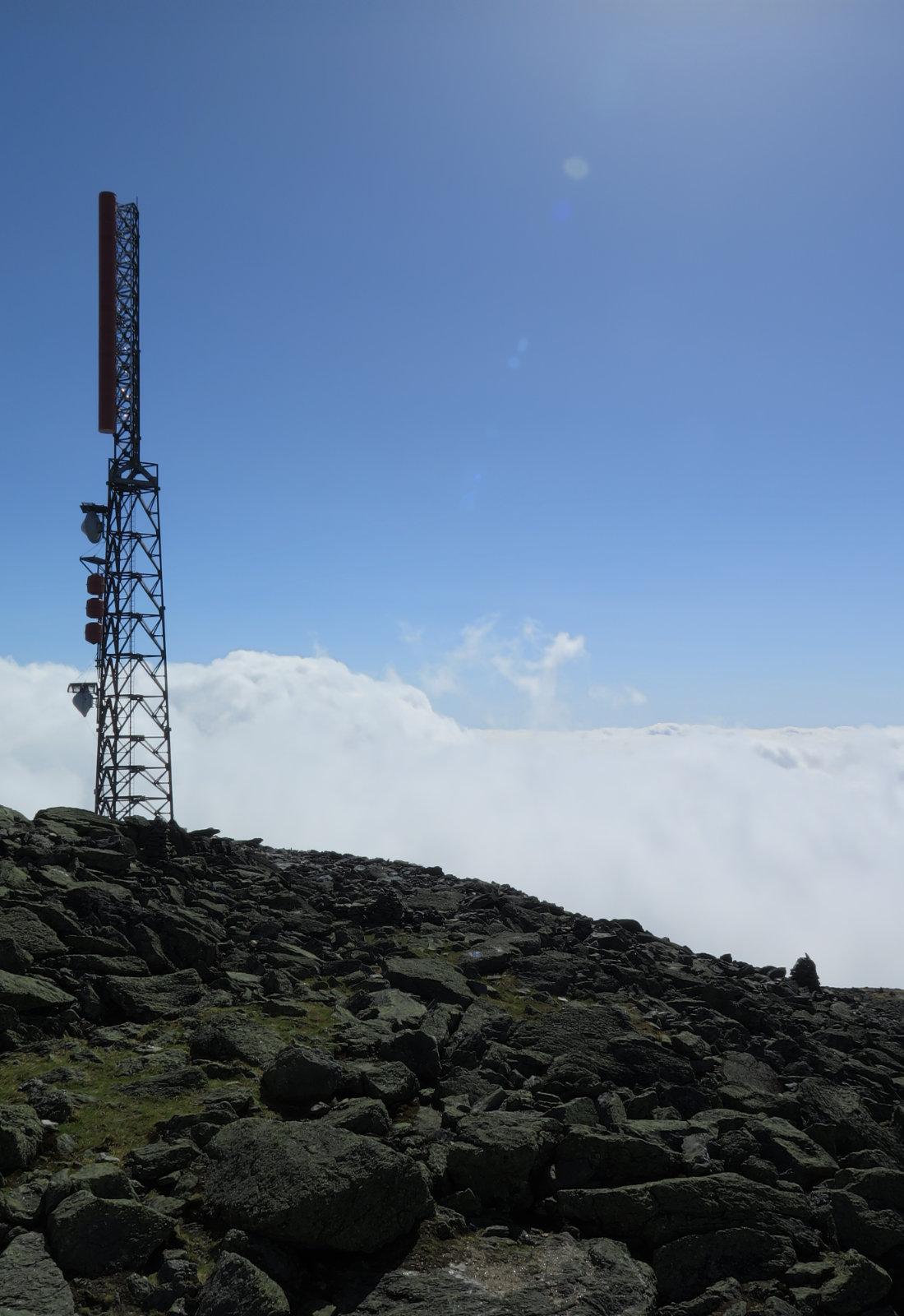 20180602-Washington-tower-clouds