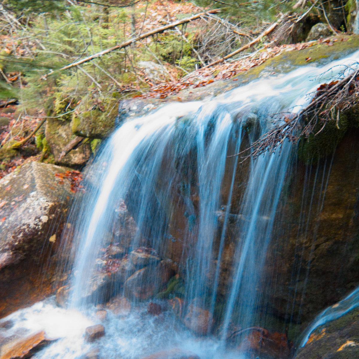 Jennings-Peak-Drakes-Waterfall2-20181108